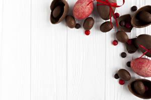 Фотография Праздники Пасха Сладости Шоколад Доски Яйца