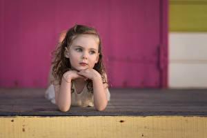 Картинки Девочки Смотрит Миленькие