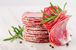 Картинка Мясные продукты Колбаса Нарезанные продукты