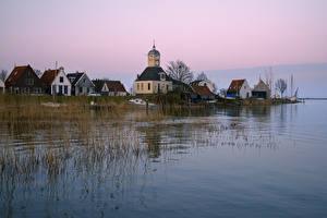 Картинка Нидерланды Речка Здания Храмы Пирсы Durgerdam Города