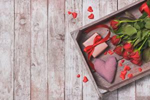 Фотография Розы День святого Валентина Доски Сердце Цветы