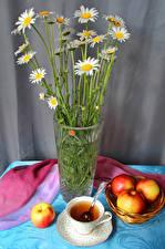 Картинка Натюрморт Ромашки Яблоки Чай Ваза Чашка Пища Цветы