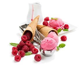 Фотография Сладости Мороженое Малина Белый фон Шар Еда