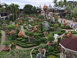Фотографии Таиланд Парки Скульптуры Слоны Дизайн Кусты Пальмы Nong Nooch Tropical Botanical Garden Природа