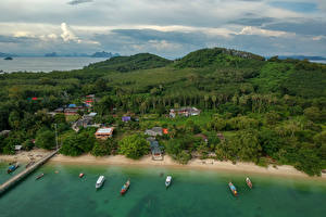 Фото Таиланд Тропики Берег Леса Здания Залив Naka Island Phuket Природа