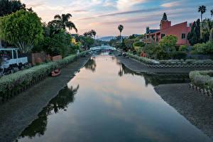 Картинки Штаты Здания Лодки Лос-Анджелес Водный канал Кусты