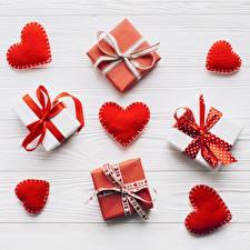 Картинка День всех влюблённых Подарки Сердце Бантик