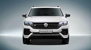Обои Volkswagen Спереди Белая Touareg 2018 R-Line автомобиль