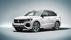 Картинка Volkswagen Белый Touareg 2018 R-Line Автомобили