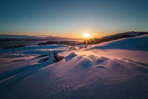 Фото Зимние Рассветы и закаты Снег Солнце Природа
