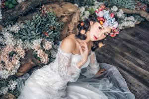 Обои Азиаты Невеста Венок Девушки