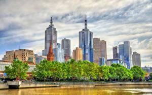 Картинка Австралия Мельбурн Здания Небоскребы Речка Деревья