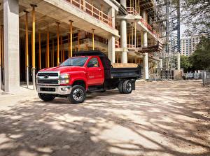 Фотографии Chevrolet Грузовики Красный 2019 Silverado 6500HD Dump Truck машина
