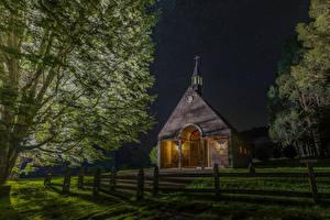 Фото Чили Храмы Церковь В ночи Забор Дерево Futrono город