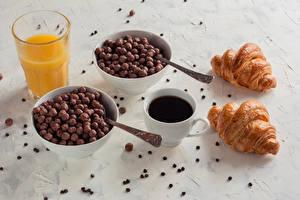 Фотографии Кофе Круассан Сок Завтрак Чашка Стакан Зерна Пища