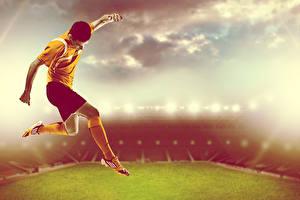 Картинка Футбол Мужчины Стадион Прыжок Униформа