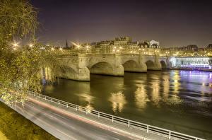 Картинка Франция Здания Речка Мосты Дороги Париж Ночные