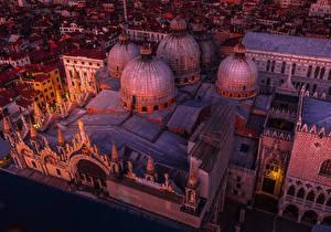 Фотография Италия Храмы Венеция Дизайн Ночью Сверху Купола Saint Marco Basilica город