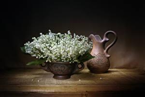 Картинка Ландыши Кувшин Ваза Цветы