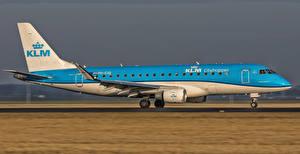 Обои Самолеты Пассажирские Самолеты Сбоку Embraer Emb-175-200STD PH-EXG