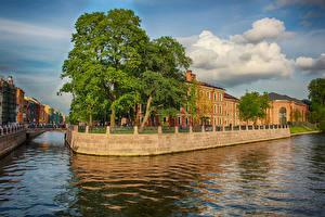 Фотографии Россия Санкт-Петербург Здания Мосты Водный канал Деревья Города