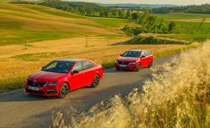 Картинки Skoda Двое Красная Металлик 2017 Octavia авто