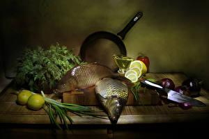 Обои Натюрморт Рыба Лимоны Овощи Разделочная доска Продукты питания