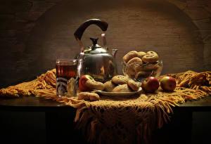 Картинки Натюрморт Чайник Чай Яблоки Выпечка Стол Стакан Пища