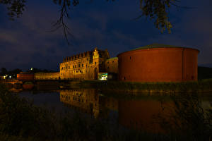 Фотографии Швеция Замки Речка Мосты Ночь Malmo