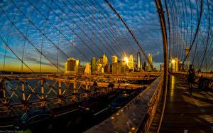 Фотографии США Дома Мост Вечер Дороги Нью-Йорк Brooklyn Bridge Города