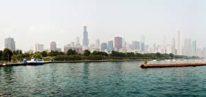 Картинки Штаты Здания Речка Небоскребы Пирсы Речные суда Чикаго город Illinois