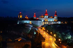 Фотография Украина Замки Дороги Ночные Уличные фонари Old Castle Kamenets-Podolsky Города