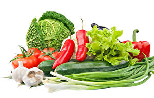 Обои Овощи Капуста Перец Томаты Чеснок Белый фон Пища