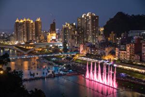 Фотография Китай Дома Речка Мост Причалы Вечер New Taipei City город