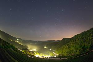 Картинки Китай Тайвань Гора Лес Поля Дороги Ночью Природа