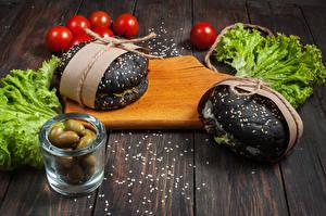 Обои Фастфуд Оливки Помидоры Овощи Гамбургер Доски Разделочной доске Продукты питания