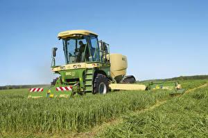 Фотографии Поля Сельскохозяйственная техника 2012-18 Krone BiG M 420