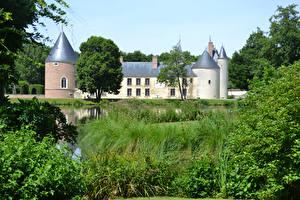 Картинки Франция Замки Пруд Трава Castle Chamerolles Города