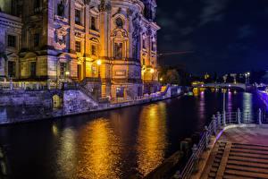 Фотографии Германия Берлин Речка Храмы Ночные Уличные фонари Berlin Cathedral