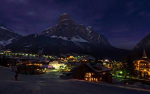 Фото Италия Дома Горы Зимние Снега В ночи Badia Города