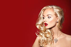 Фотография Украшения Блондинка Волосы Красные губы Девушки