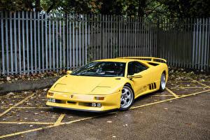 Фотография Ламборгини Ретро Желтый 1994-95 Diablo SE30 Авто