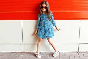 Фотография Девочки Модель Платье Очков Дети