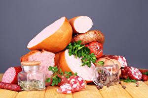 Обои Мясные продукты Колбаса Приправы Доски