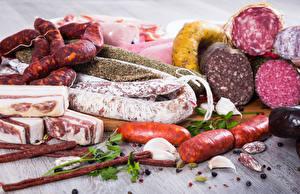 Фотография Мясные продукты Колбаса Сосиска Сало Пища