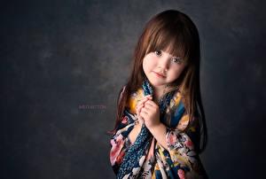 Картинка Девочки Шатенка Взгляд Meg Bitton Ребёнок