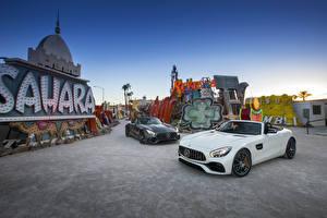 Картинка Мерседес бенц Двое Металлик Кабриолет 2016 AMG GT Roadster