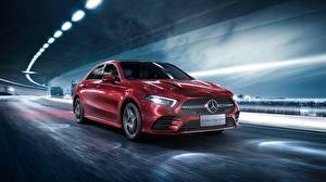 Картинки Мерседес бенц Красные Движение Седан 2019 L Sport A200 A-Class Автомобили