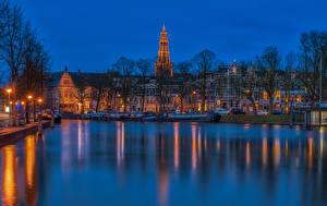 Фотография Нидерланды Здания Вечер Пристань Водный канал Уличные фонари Groningen