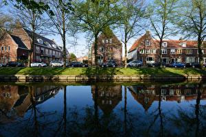 Картинка Нидерланды Дома Речка Улица Деревья Edam